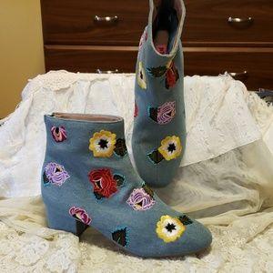 Betsey Johnson denim booties size 7 NWOT